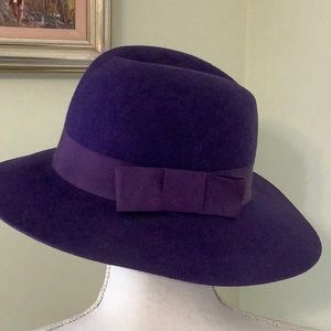 ❤️Purple Wool hat by Liz Claiborne..